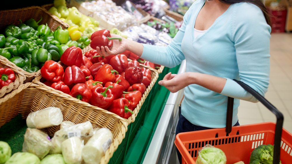 Sneaky ways grocery stores are scamming you