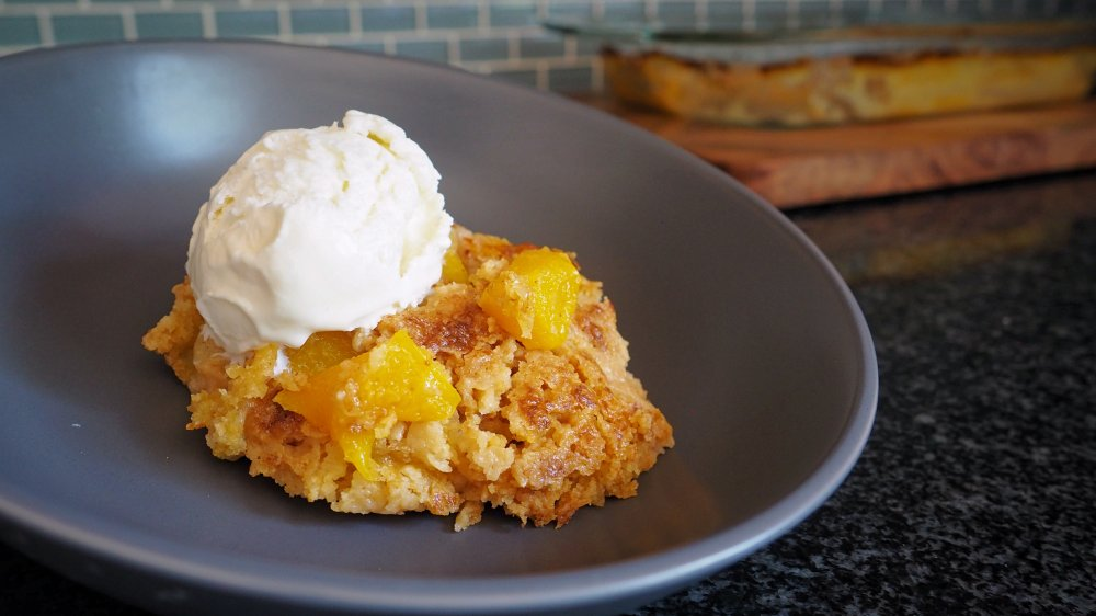 This 3-Ingredient Peach Cobbler is Simply Amazing