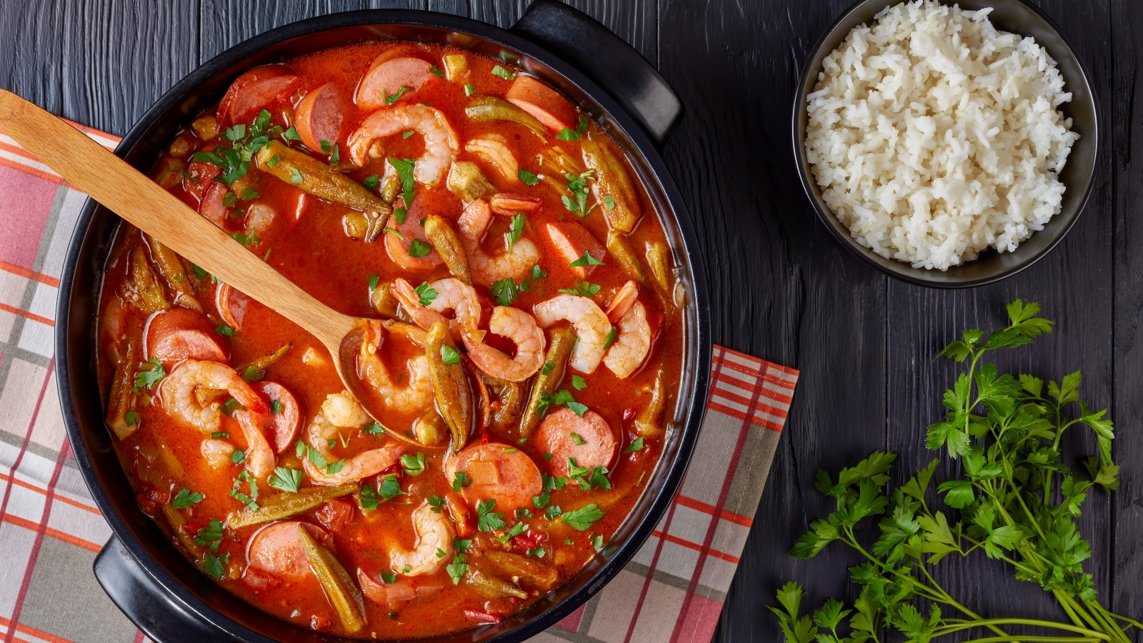The Real Difference Between Gumbo And Etouffee
