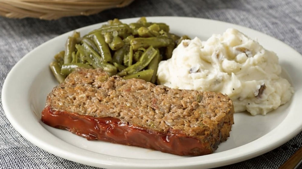The surprising ingredient in Cracker Barrel's meatloaf