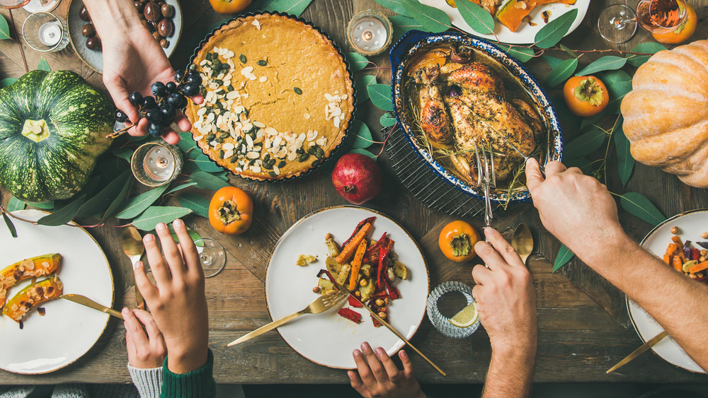 Where to order an inexpensive meal on Thanksgiving day